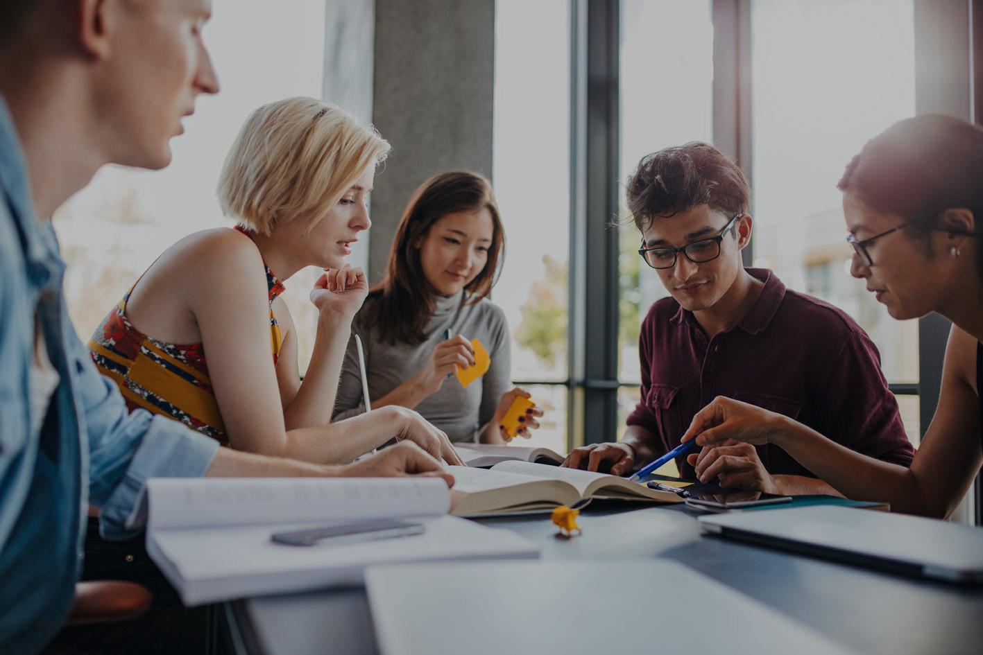 Studium und Beruf: Flexible Studienmodelle